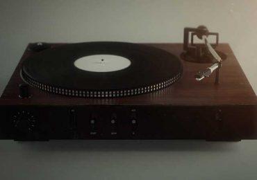 Uni Records | Sebastian Deredas
